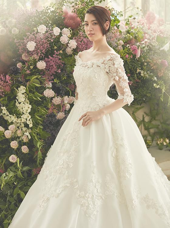【25ans WD】世界的ブランド「ユミカツラ」が描く 最上のドレスを三吉彩花がまとう